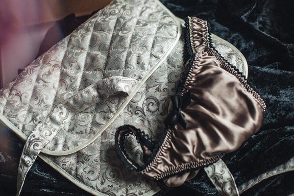 divaurae_custom_lingerie